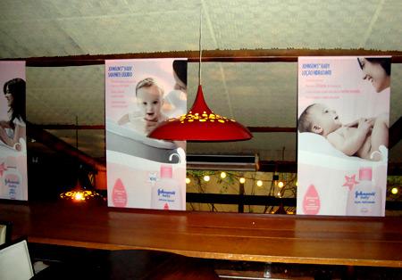 johson baby no restaurante praça são Lourenço